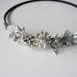 golden turban with silver flower ornament and gray clasp